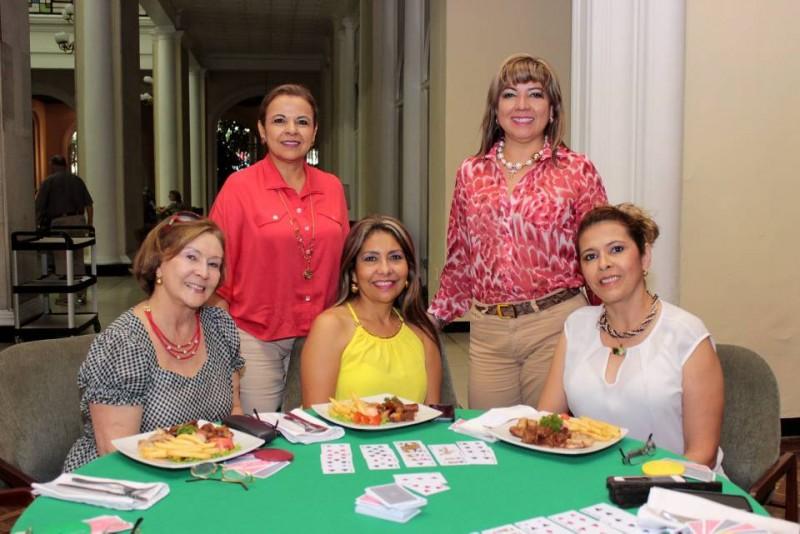 Fella Ávila, María Eugenia Quintero, Martha de Quevedo, Patricia Quintero y Martha Lucía Marín. - Fabián Hernández/GENTE DE CABECERA