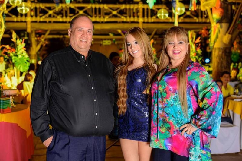 Henry Osma, Nathalia Osma y Sonia Galvis. - Suministrada / GENTE DE CABECERA