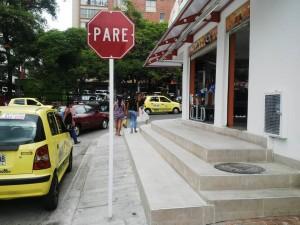 La señal de 'Pare' está ubicada en un paso exclusivamente peatonal. - Suministrada / GENTE DE CABECERA