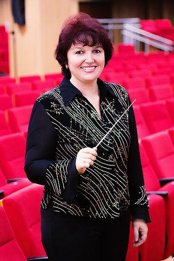 Iryna Litvin, docente de la Unab y directora de la Orquesta Sinfónica Juvenil de la Unab.