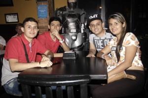 Brayan Mondragón, Juan Marciales, Edwin Marciales y Vivian Reyes
