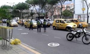 La Dirección de Tránsito de Bucaramanga adelanta ejercicios pedagógicos para mejorar la movilidad de las vías aledañas al centro comercial Cacique. - Suministrada / GENTE DE CABECERA