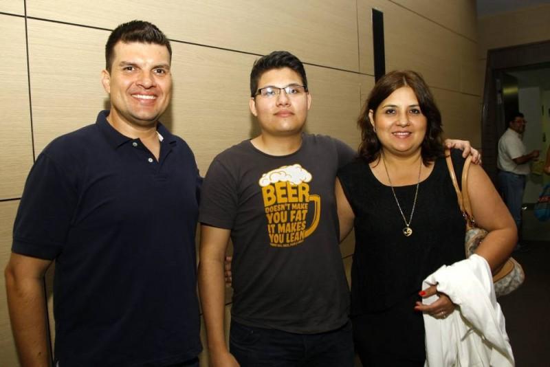 César Vesga, Johan Patiño y Mary Vesga. - César Flórez/GENTE DE CABECERA