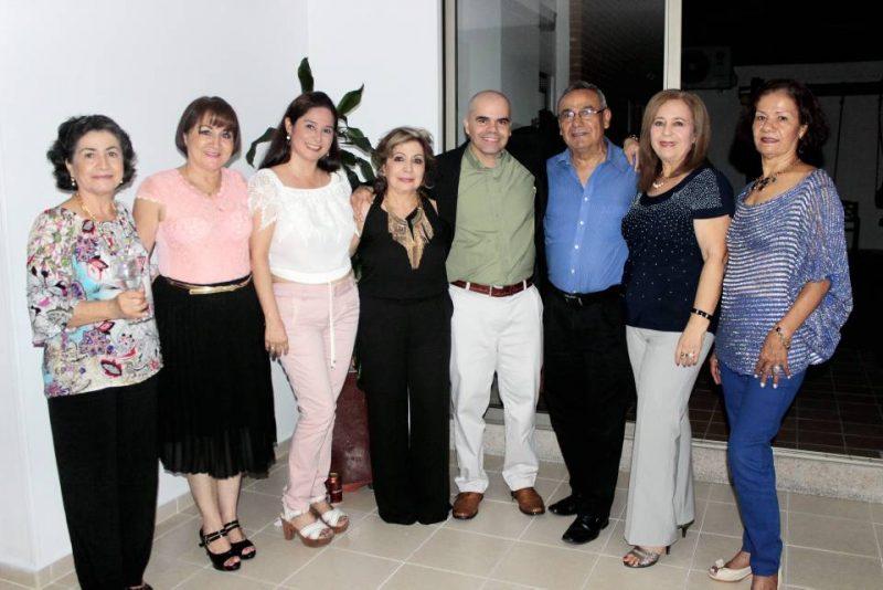 Olga Mancipe, Lucila Mancipe, Olga Díaz, Luz Marina de Zárate, Sergio Zárate, Fernando Pinto, Inés de Pinto y Teodolinda Rodríguez. - Fabián Hernández/GENTE DE CABECERA