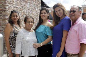 Martha Rojas, María Luisa Gómez, Laura Milena Gómez Rojas, Patricia Rojas y Luis Armando Gómez