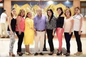 Karina Ramírez, Yaneth Bautista, Viviana de Díaz, Otoniel Díaz, Catalina Higuera, Paola Rodríguez, Carmen Moreno y Martha de Ortiz. Suministrada/GENTE DE CABECERA