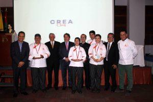 Docentes y administrativos Unab y directivos del Dann Carlton, junto a los ganadores de Crea Chef. - Suministrada / GENTE DE CABECERA