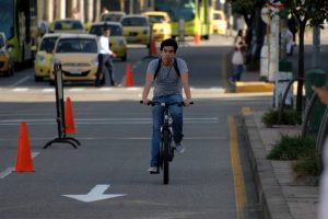 Durante el Día sin carro y sin moto en el sector de Cabecera hubo disminución significativa de contaminantes en el aire, según informó la Cdmb. - Jaime Del Río/GENTE DE CABECERA