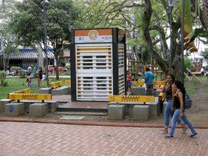 Los dos puntos biblioteca de la ciudad, ubicados en el Parque San Pío y en la Estación de Provenza, completaron más de 6 meses sin prestar servicio a la comunidad. - Archivo/GENTE DE CABECERA