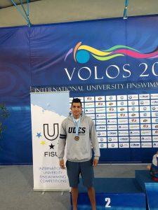 El estudiante hizo parte del equipo de relevos 4x50 metros bialetas (natación con aletas), logrando el tercer lugar.  - Suministrada/GENTE DE CABECERA