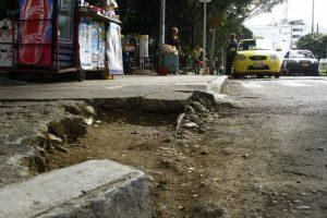 Así está la esquina del Parque de Conucos, en la confluencia entre la calle 62 y el final de la Avenida González Valencia. - César Flórez/GENTE DE CABECERA