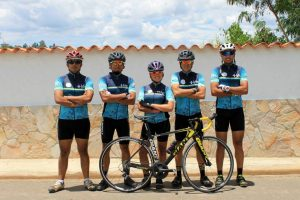 Los 5 ciclistas que realizarán la travesía son 'amateurs' y le apuestan al biciturismo. - Suministrada/GENTE DE CABECERA