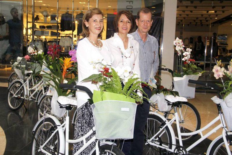 Martha Moreno Rico, Aydé de Toulemonde y Thomas Toulemonde. - Javier Gutiérrez/GENTE DE CABECERA