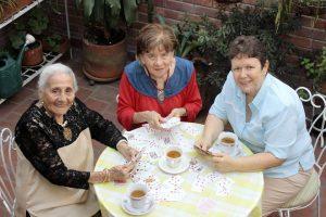 Tres grandes mujeres que viven en el sector y de quienes debemos aprender mucho en este paso por la vida. - Fabián Hernández/ GENTE DE CABECERA