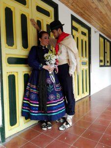 Laura Melissa Vergel y Luis Miguel Blanco, ganadores en la 'modalidad de parejas' del XXV Festival Nacional del Pasillo Colombiano. - Suministrada / GENTE DE CABECERA