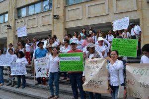 Habitantes de Pan de Azúcar realizaron un plantón el pasado miércoles exigiendo su derecho al transporte. Además, organizaron otro para hoy a partir de las 8:00 a.m. en el barrio. - Jaime Del Río/GENTE DE CABECERA