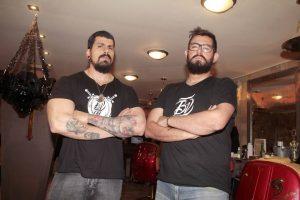 Carlos Joya y Fabián Duarte son dos de los integrantes de Bearded Villains en Bucaramanga. - Javier Gutiérrez/GENTE DE CABECERA