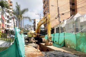 Las obras de arreglo y cambio de tuberías se están realizando en la carrera 40 con calle 46.  - Javier Gutiérrez/GENTE DE CABECERA