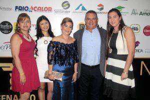 Gloria Quintero Rincón, Nathalia Acevedo, Olga Quintero de Amaya, Alfredo Amaya y Cristie Roa