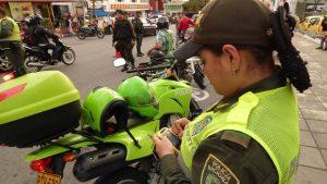 La Policía incrementa la seguridad durante la temporada decembrina en el sector comercial. - Suministrada/GENTE DE CABECERA