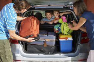 Lo ideal es hacer la revisión del vehículo al menos una semana antes de emprender el viaje, en un taller autorizado o centro especializado.  - Banco de imágenes/GENTE DE CABECERA