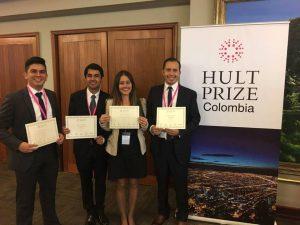 Tres estudiantes y un egresado de la UIS conforman el equipo que obtuvo el tercer puesto en Hukt Prize Colombia. - Suministrada/GENTE DE CABECERA