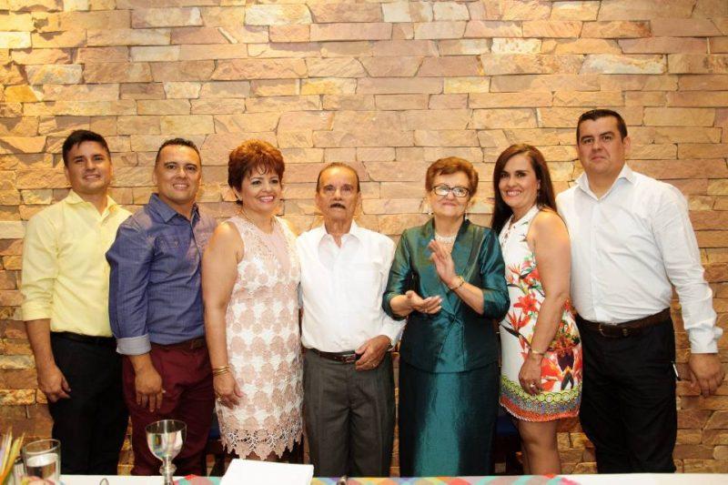 Edwin Ríos, Javier Ríos, María Lourdes Ríos, Félix Ríos, María del Carmen Vargas, Flor Alba Ríos y Óscar Ríos. - Suministrada/GENTE DE CABECERA