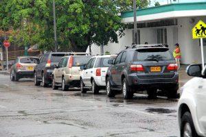 Piden acciones contundentes ante el mal estacionamiento e invasión del espacio público por parte de los conductores. - Elver Rodríguez/GENTE DE CABECERA