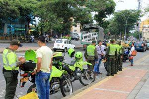 El 'Plan semáforo' es una de las principales medidas de la Policía metropolitana para combatir la delincuencia, aplicada en zonas estratégicas de Bucaramanga. - Elver Rodríguez/GENTE DE CABECERA