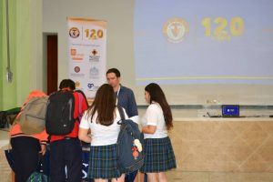 Los asistentes conocieron información sobre instituciones de educación superior en España, Suiza, Estados Unidos y Canadá. - Suministrada/GENTE DE CABECERA