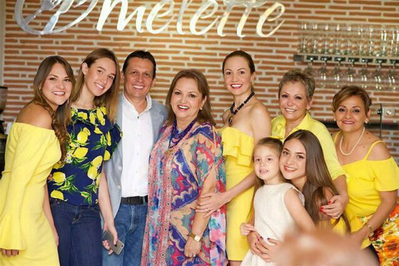 Viviana Ojeda, Andrea Novoa, Carlos Fernando Ojeda, Cristina Ojeda de Acevedo, Helga Patricia Jiménez, Alba Ojeda de Prada, Rosa Bernal de Ojeda, Camila Ojeda y Sofía Ojeda. - Suministrada/GENTE DE CABECERA