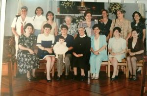 Algunas de las exalumnas del grupo del año 67, que en este año cumplen 50 años de egresadas de la Institución. - Suministrada/GENTE DE CABECERA