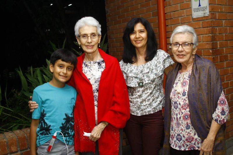 David Fernando Perico Valdez, Constanza Remolina, Luz Adriana Valdez y Gladys Remolina. - César Flórez/GENTE DE CABECERA