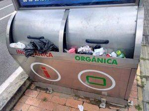 La basura se acumula, originando mal olor y suciedad. - Suministrada/GENTE DE CABECERA