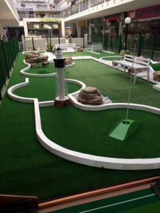 Niños y grandes podrán disfrutar de las canchas de golf del Centro Comercial Cañaveral.  - Suminisrada/GENTE DE CABECERA
