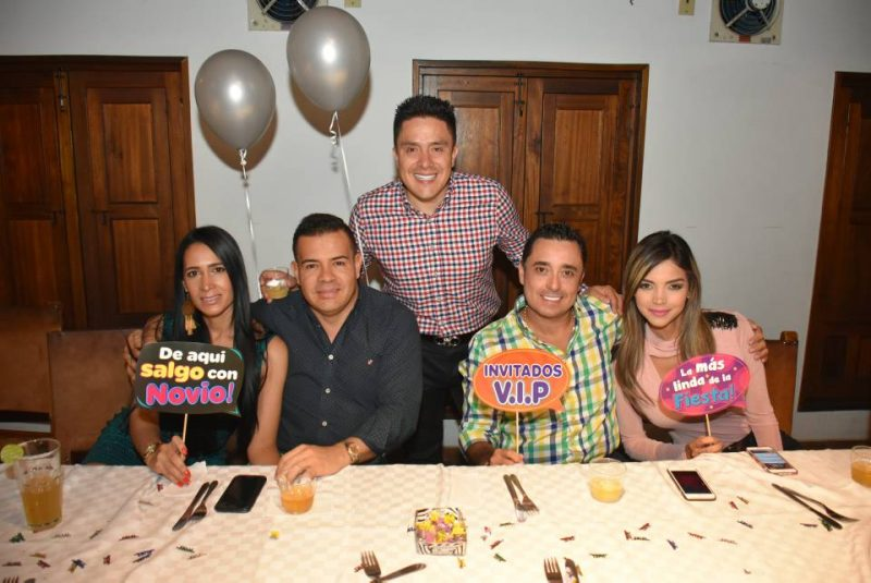 Karina Burbano, Luifer Burbano, Cristian Arias, Carlos Torres y Adriana Torres. - Suministrada/GENTE DE CABECERA
