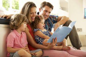 La función modélica de los padres es determinante en los primeros años de vida para la conformación del carácter de la persona. - Banco de imágenes/GENTE DE CABECERA