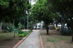 Desde que el 'parquero' regresó, la zona verde está más bonita y sana, comentaron los vecinos del parque de Conucos. - Fabián Hernández / GENTE DE CABECERA