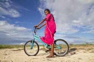 La fundación Mica es reconocida por su campaña de recolección de bicicletas, las cuales son donadas a los niños wayúu. - Suministrada / GENTE DE CABECERA