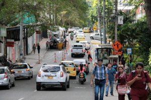 La Unab financió la instalación de reductores de velocidad y señalización en la avenida 42. - Archivo / GENTE DE CABECERA