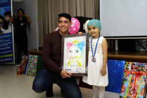 Cada niño recibió a modo de regalo sorpresa su cuadro. - César Flórez / GENTE DE CABECERA