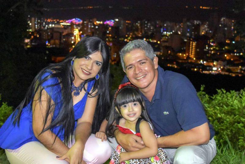Norelys Bahos Arciniegas, Vanesa Gutiérrez Bahos y Mauricio Gutiérrez. - Suministrada/GENTE DE CABECERA