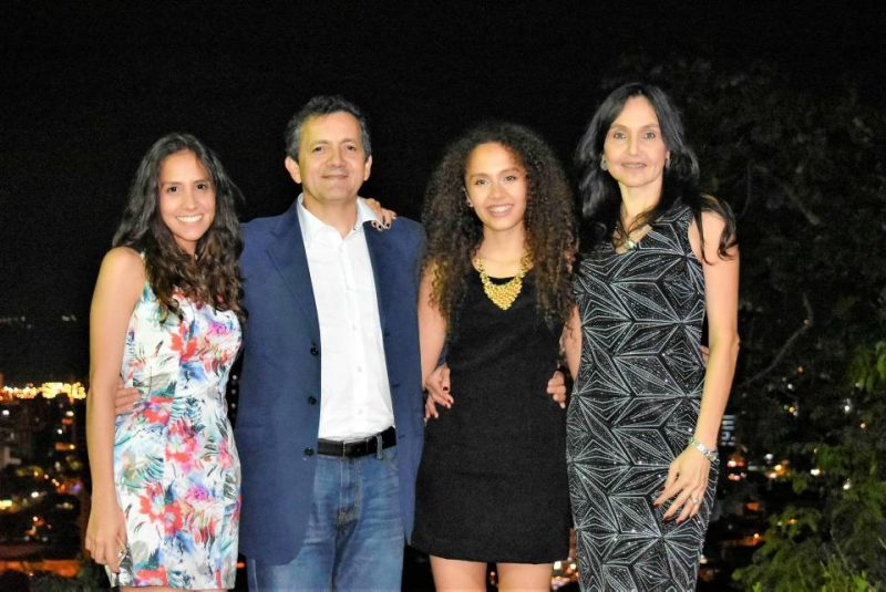 Jenifer Monsalve, Amilkar Stapper, Karen Monsalve y Lina León. - Suministrada/GENTE DE CABECERA