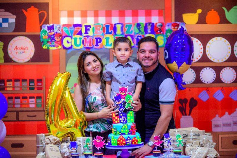 Julieth Ortiz, Jesús Santiago Serrano Ortiz y Sergio Serrano. - Suministrada/GENTE DE CABECERA