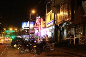 La carrera 33 con calle 38 también se ha convertido en una zona de 'ruido insoportable' proveniente de bares y otros establecimientos, según reportaron los residentes. - Fabián Hernández/GENTE DE CABECERA