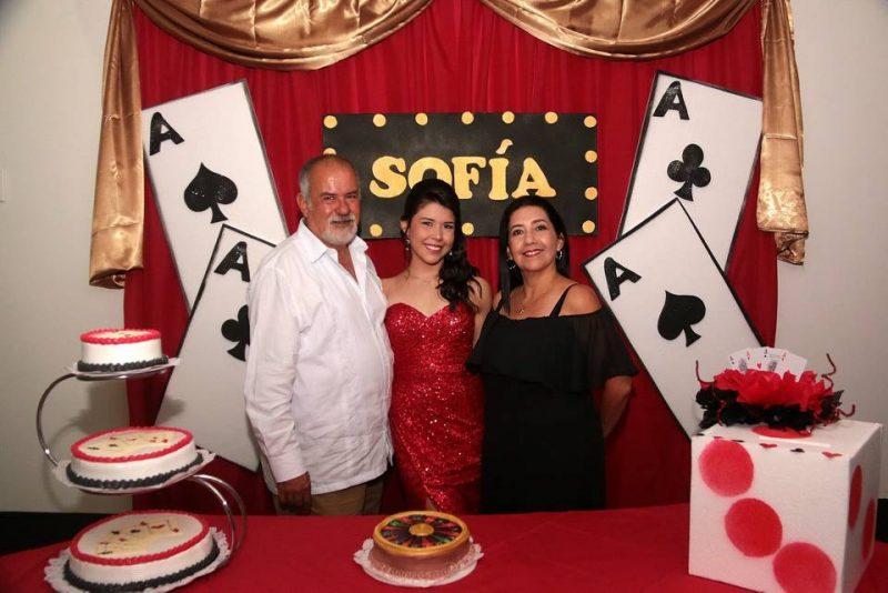 Jorge Vera, Sofía Vera y Sonia Mendoza. - Élver Rodríguez/GENTE DE CABECERA