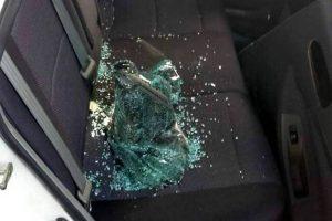 No deje su carro estacionado en la calle. Así evitará ser víctima de la llamada modalidad de 'rompevidrios'. - Archivo / GENTE DE CABECERA