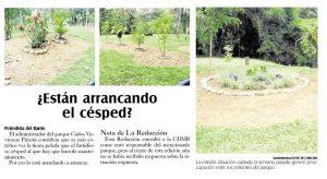 Visitantes del parque observaron con preocupación las zonas del césped que estaban aparentemente deterioradas. - Archivo/GENTE DE CABECERA