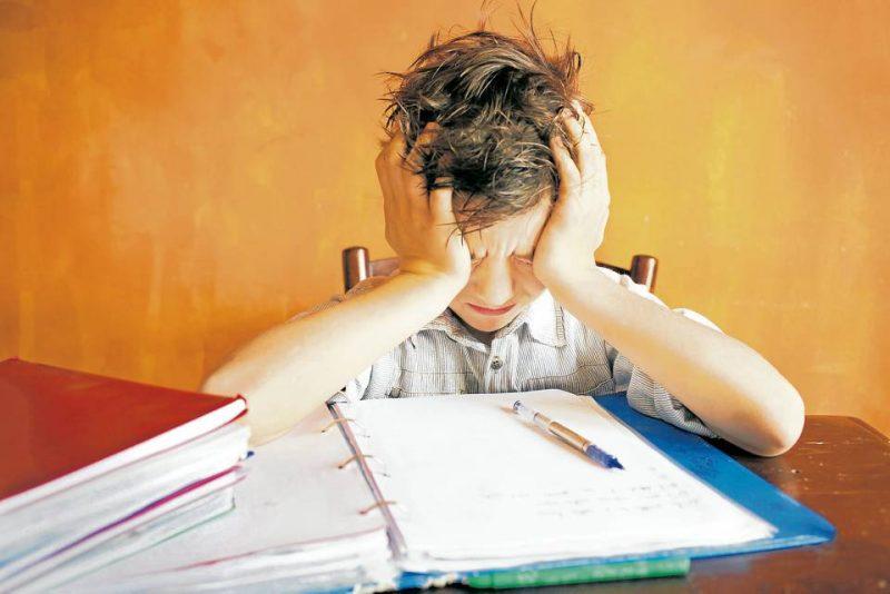Cuando un niño ha empezado a padecer estrés o está en una situación que puede iniciar su padecimiento, es importante escucharle y valorar sus opiniones - Banco de Imágenes /GENTE DE CABECERA