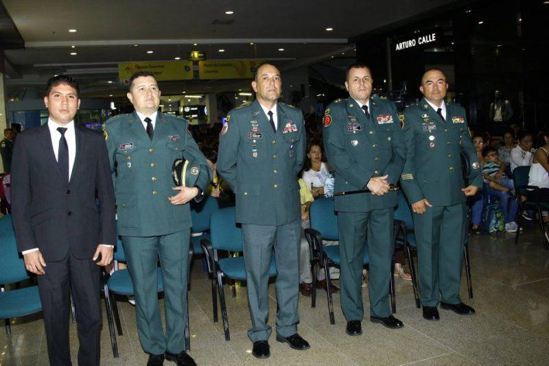 Darwin Velandia, Teniente Coronel Fernando Díaz Muñeton, Coronel Nelson Pérez Avellaneda, Brigadier General Óscar Rey Linares, Sargento Mayor Álvaro Figueroa Suárez. - César Flórez/GENTE DE CABECERA